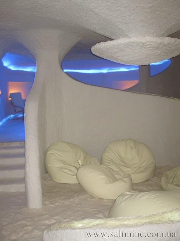 Соляная комната и дыхательная гимнастика.